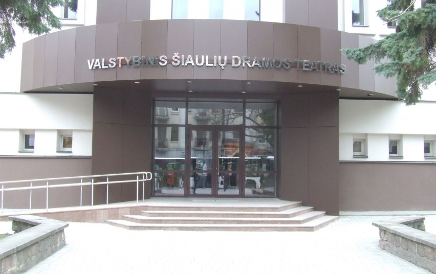 Šiaulių dramos teatras po rekonstrukcijos iki šiol kelia diskusijas