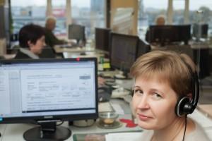Kaip teigia skambučių centro darbuotojai, sulaukus pirmojo kliento skambučio, diena prabėga labai greitai